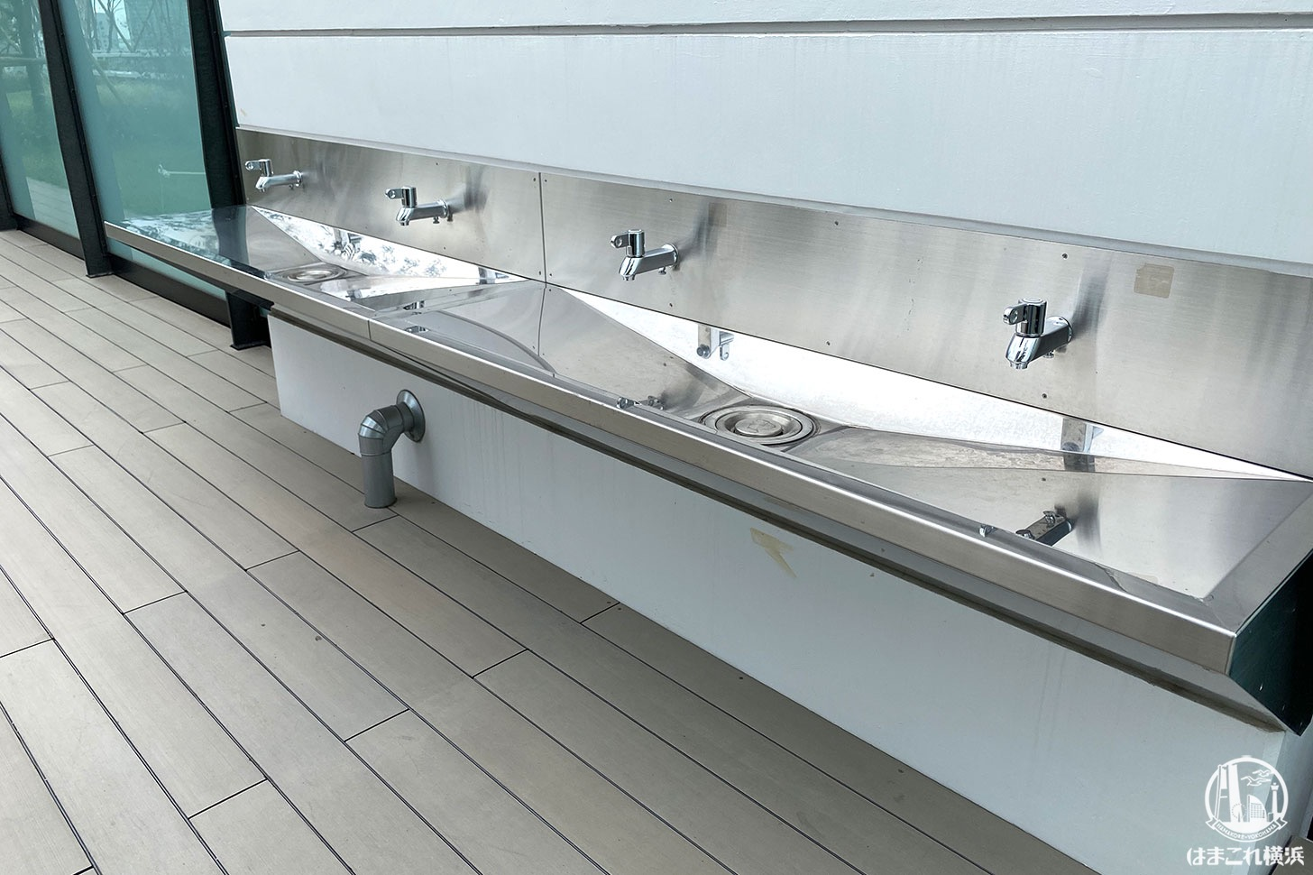 屋上庭園「うみそらデッキ」手洗い場