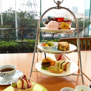 横浜ベイホテル東急、桃尽くしの「夏アフタヌーンティー」提供開始
