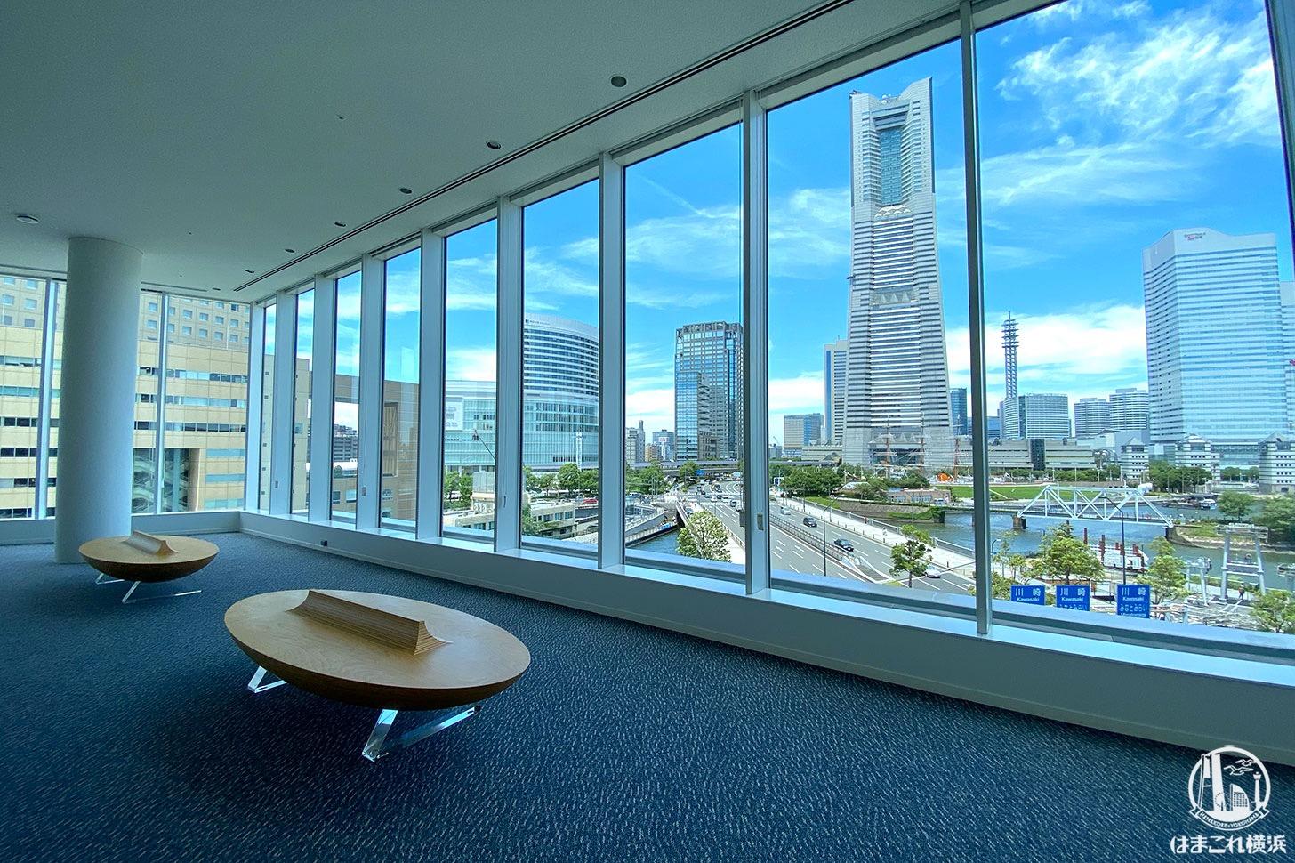 横浜市庁舎「ラウンジ」でみなとみらい一望!商業施設ラクシス フロントも一部開業