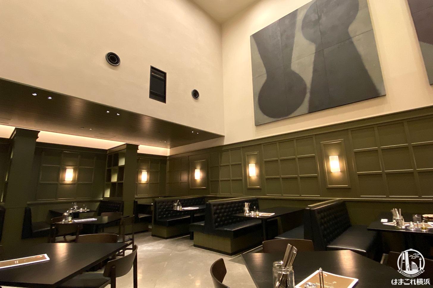 ニュウマン横浜「ザ シティ ベーカリー ブラッスリー ルービン」店内席・雰囲気
