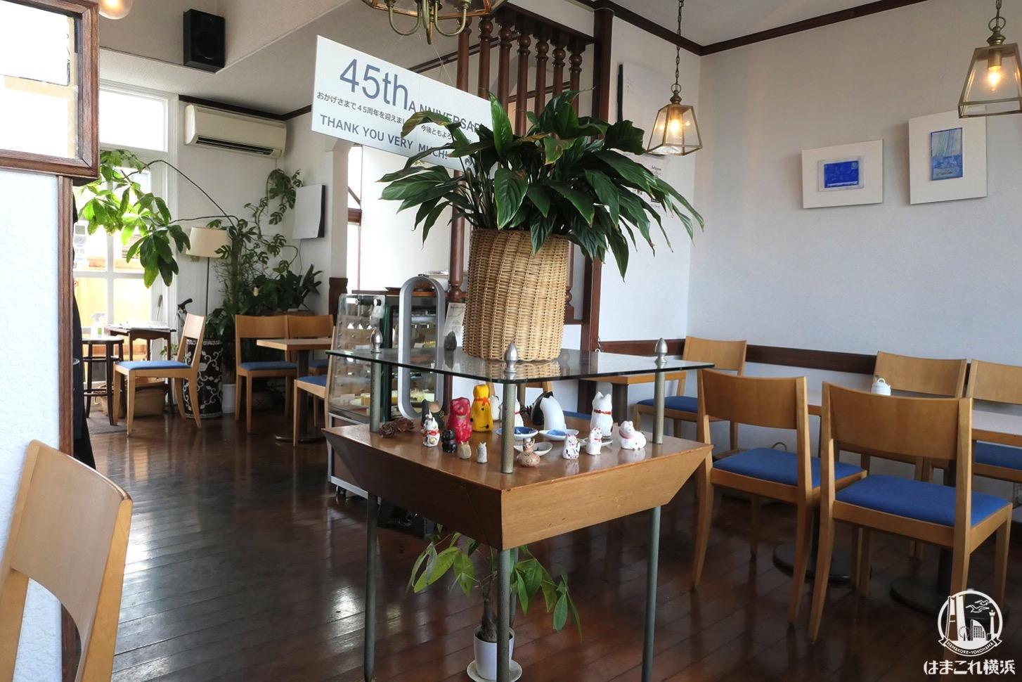 喫茶店「エレーナ」内観・席