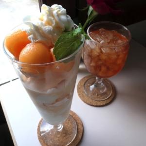 横浜山手「エレーナ」丘の頂上に広がる景色とパフェでのんびり!山手西洋館巡りとセットで