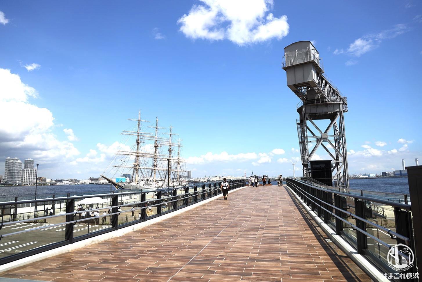 横浜ハンマーヘッドから見たハンマーヘッドデッキ