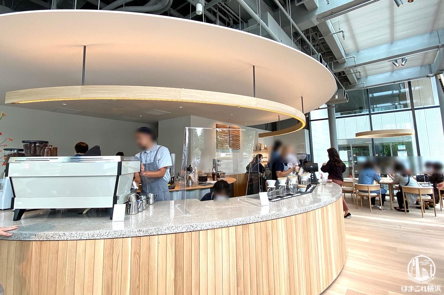 ブルーボトルコーヒーみなとみらいカフェ オープンキッチン