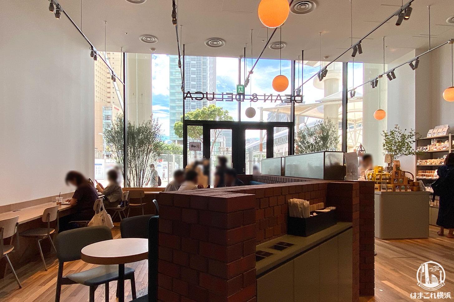 ディーンアンドデルーカカフェが桜木町駅近で朝も便利!パン充実・店内ゆったり