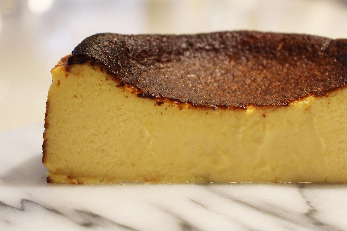 新作のバスクチーズケーキ