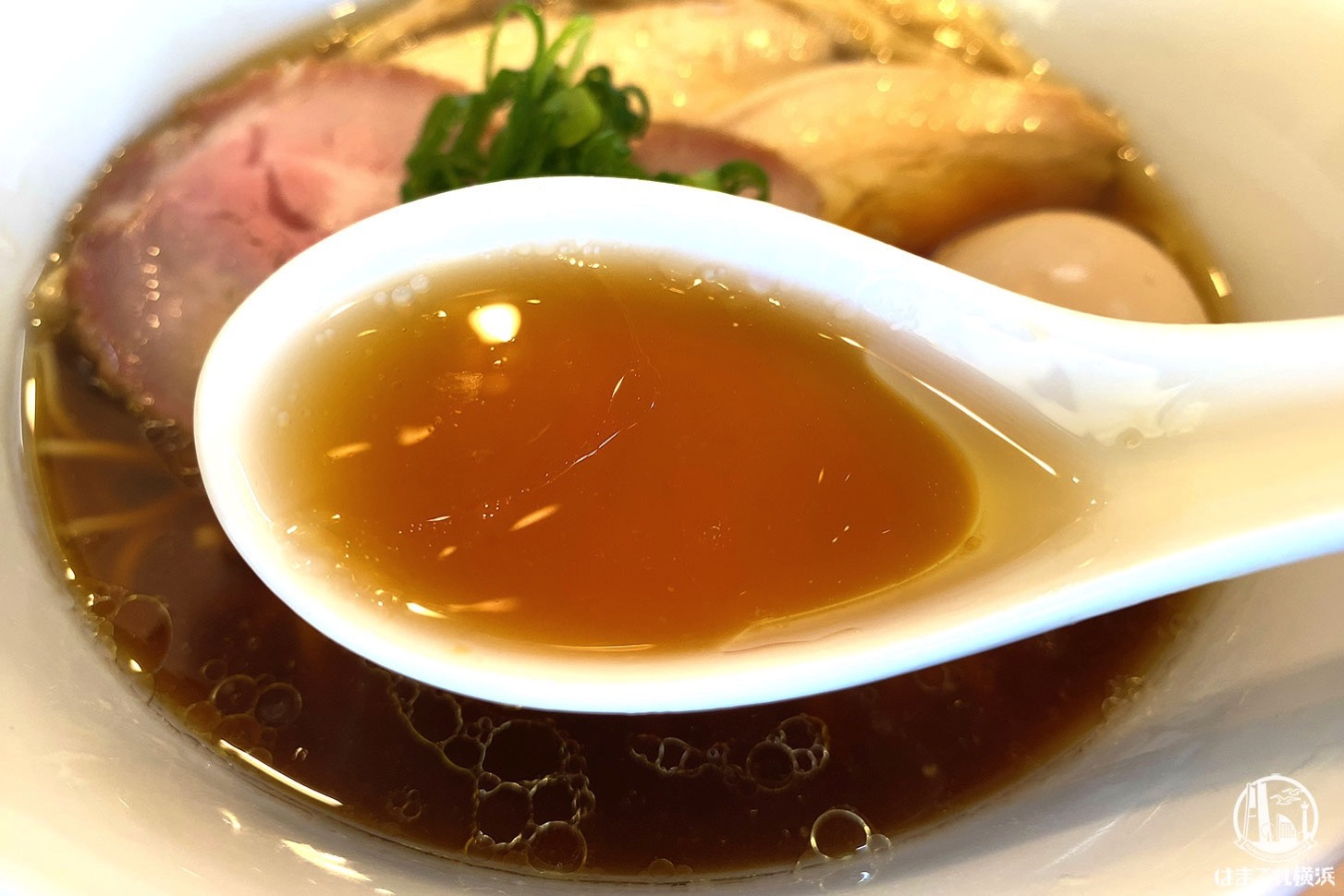特製醤油ラーメン 醤油スープ
