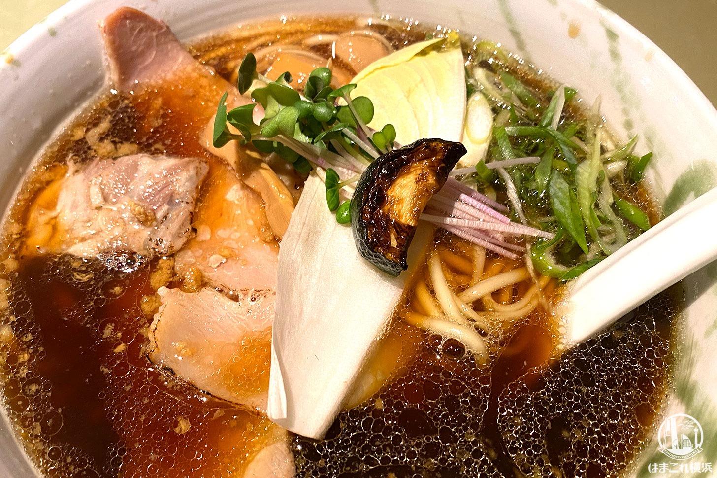 横浜・弘明寺「ロ麺ズ」醤油ラーメン