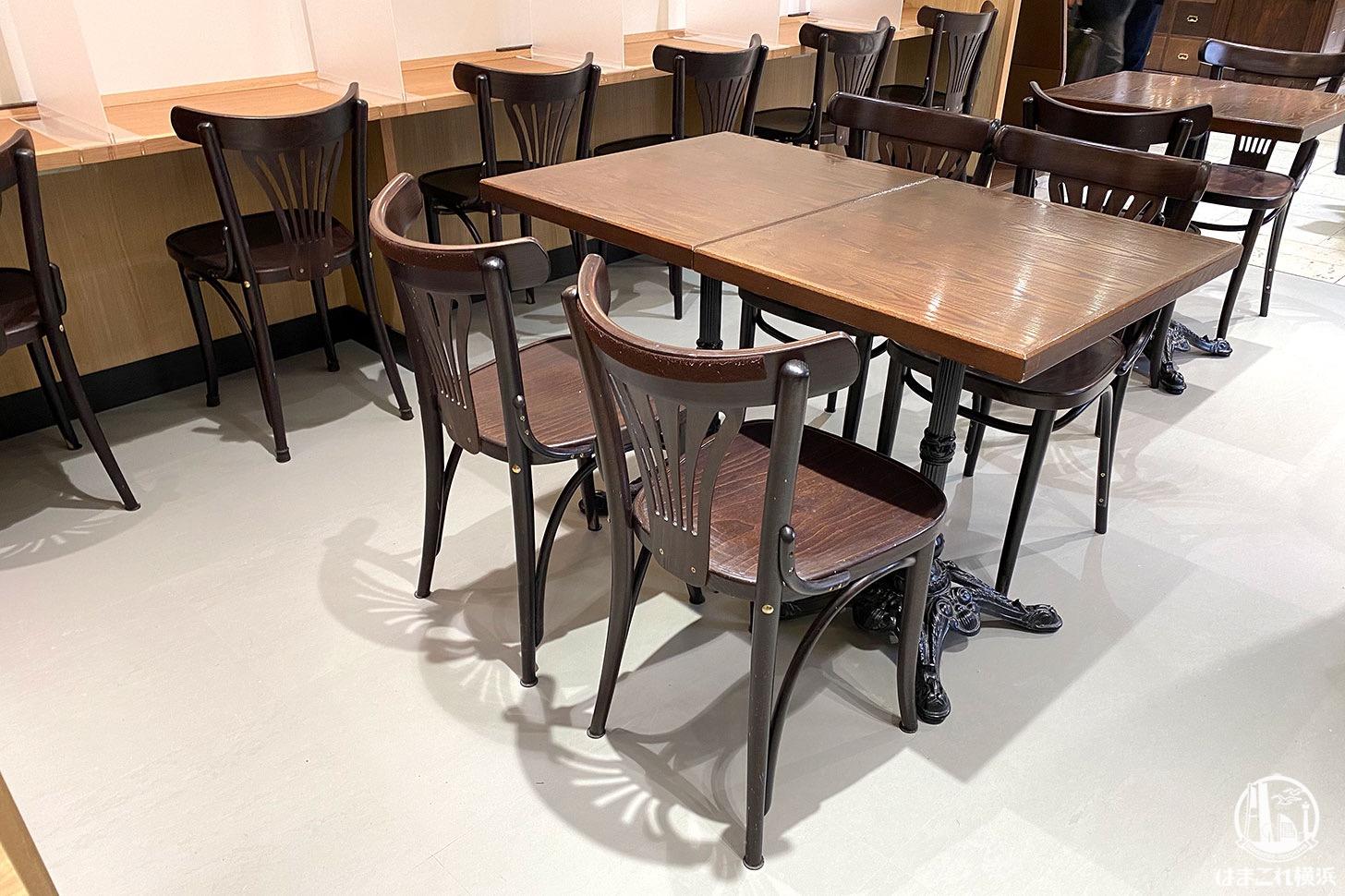 マーロウブラザーズコーヒー 店内のカウンター席