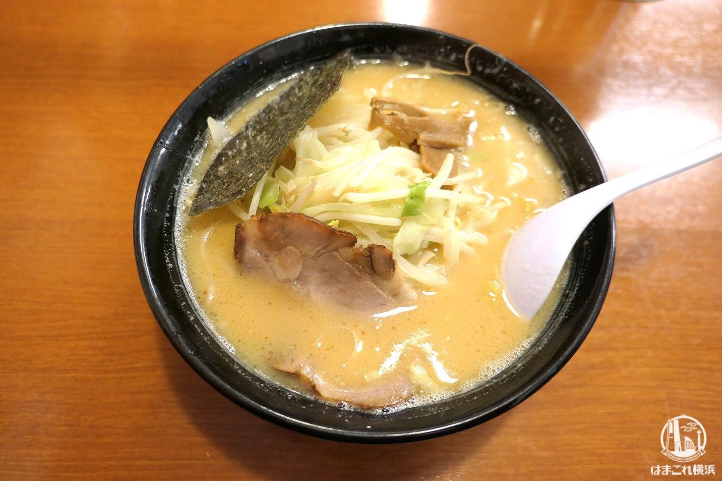 北海道らーめん「おやじ本店」の白味噌スープは甘くて通う旨さ!相模原ラーメン店