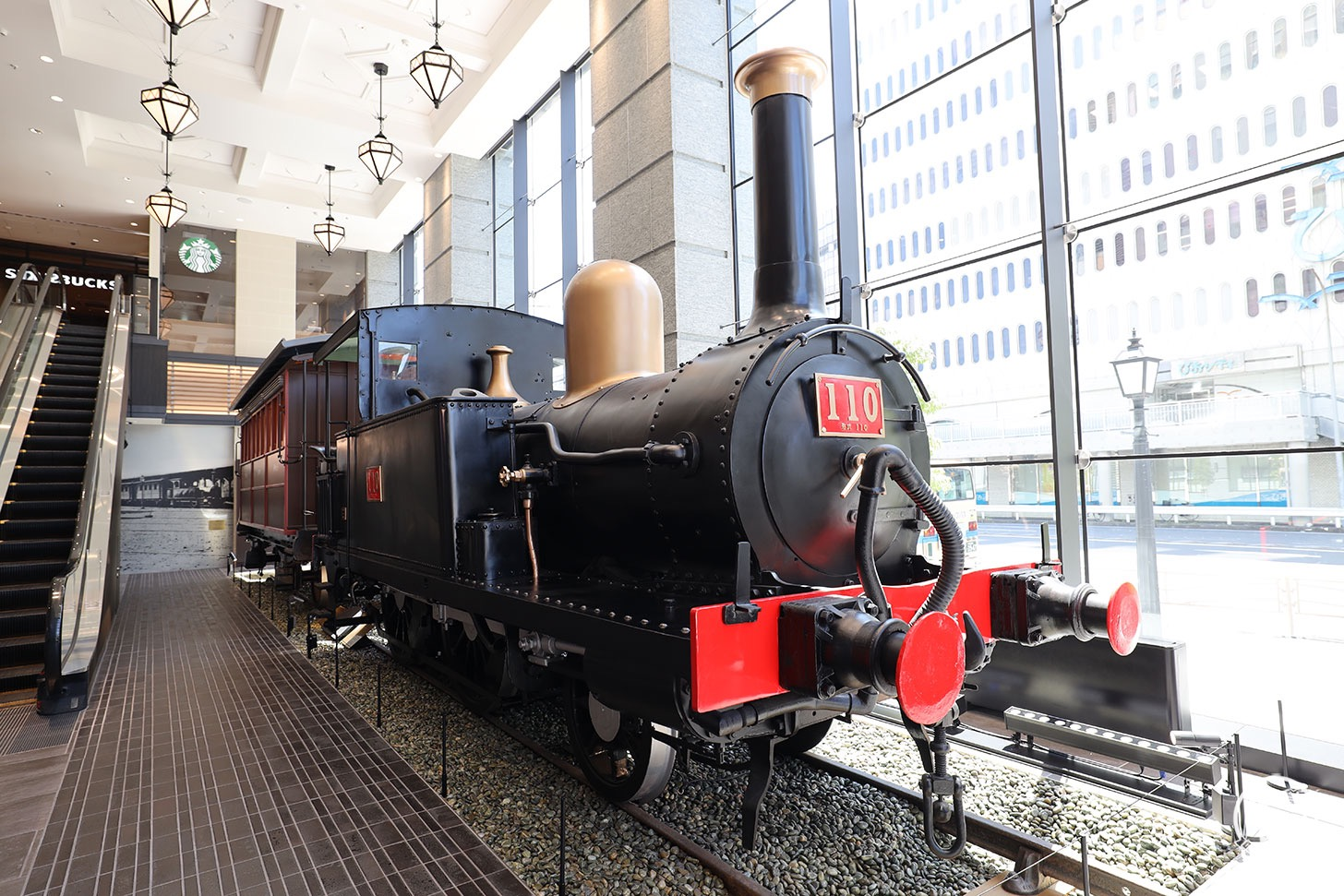 110形蒸気機関車の展示