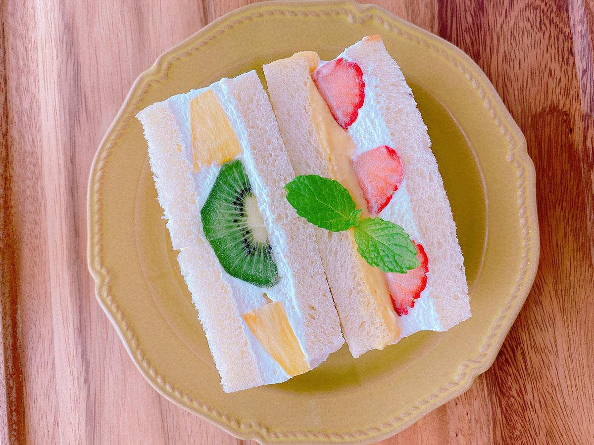 横浜市アメリカ山公園でとれたはちみつを使ったサンドイッチ