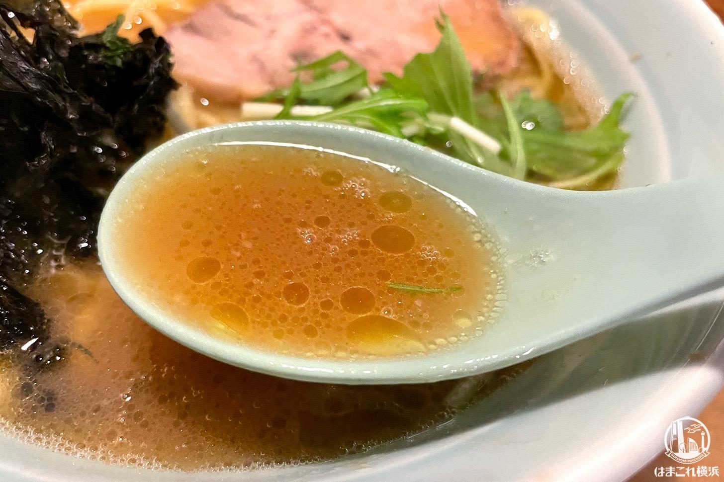 醤油ラーメン スープ