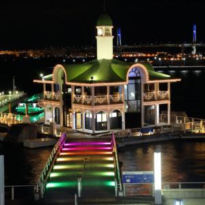 パシフィコ横浜「ウィンターイルミネーション 2020」開催!横浜の夜景と光の共演