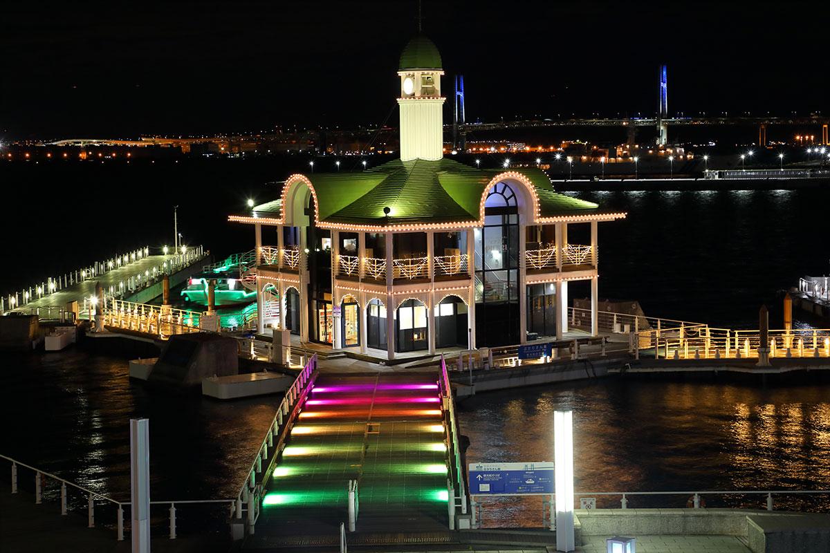 パシフィコ横浜「ウィンターイルミネーション2020」開催!クイーンモール橋とぷかりさん橋