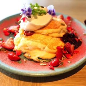 ぴあアリーナMMのカフェでパンケーキ!見た目楽しく食感豊かでまた行く美味しさ