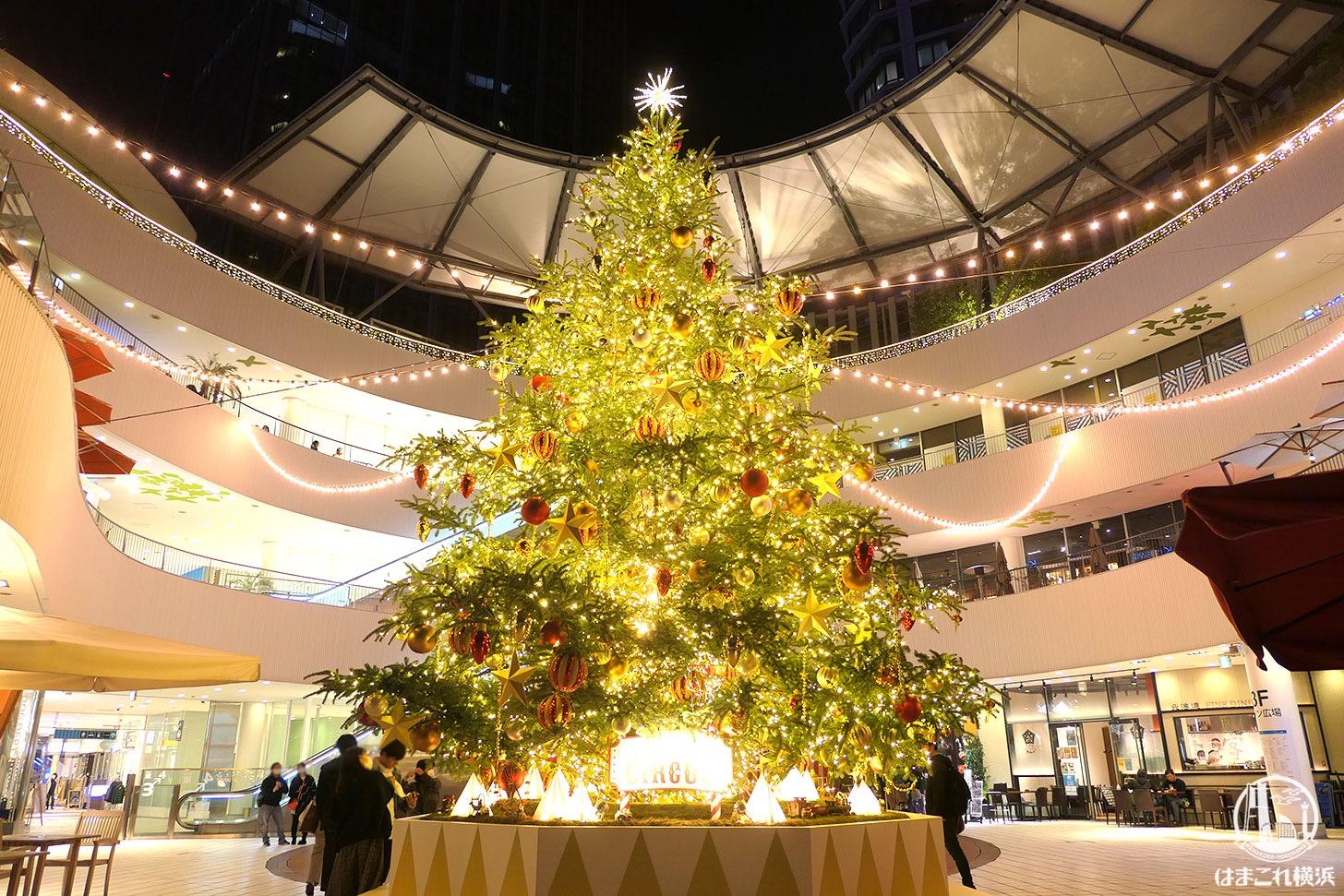 2020年横浜ベイクォーターのクリスマスツリー点灯!メリーゴーランドは回転時間あり