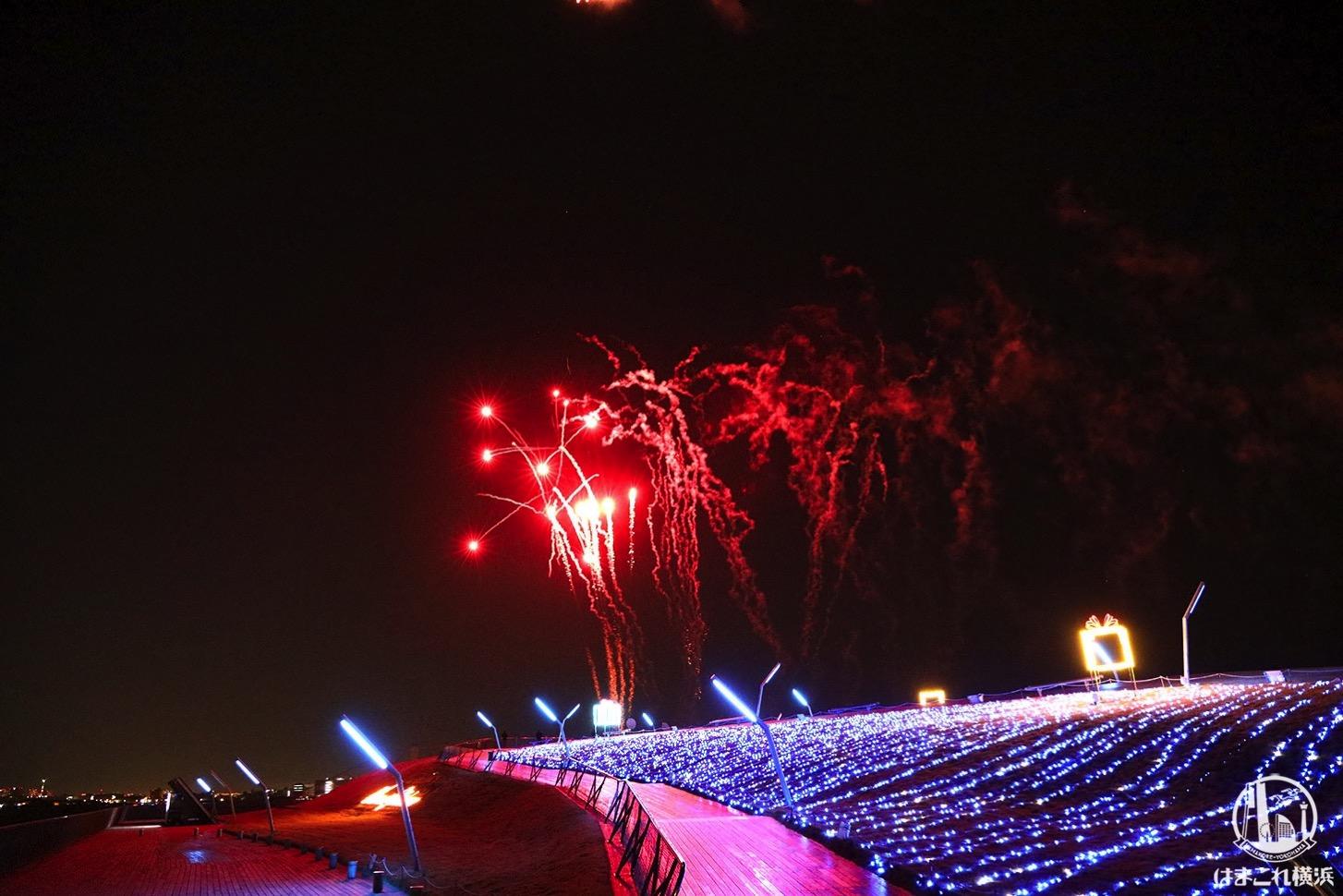 横浜港大さん橋の打ち上げ花火