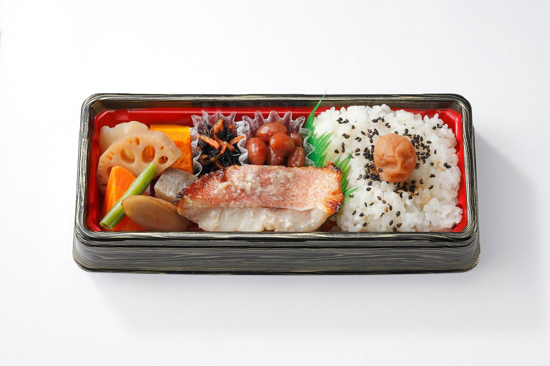 焼魚弁当(赤魚)680円