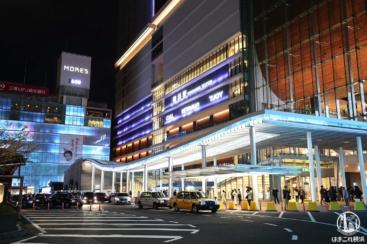 2020年横浜駅西口がブルーにライトアップ!ヨコハマイルミネーション鑑賞