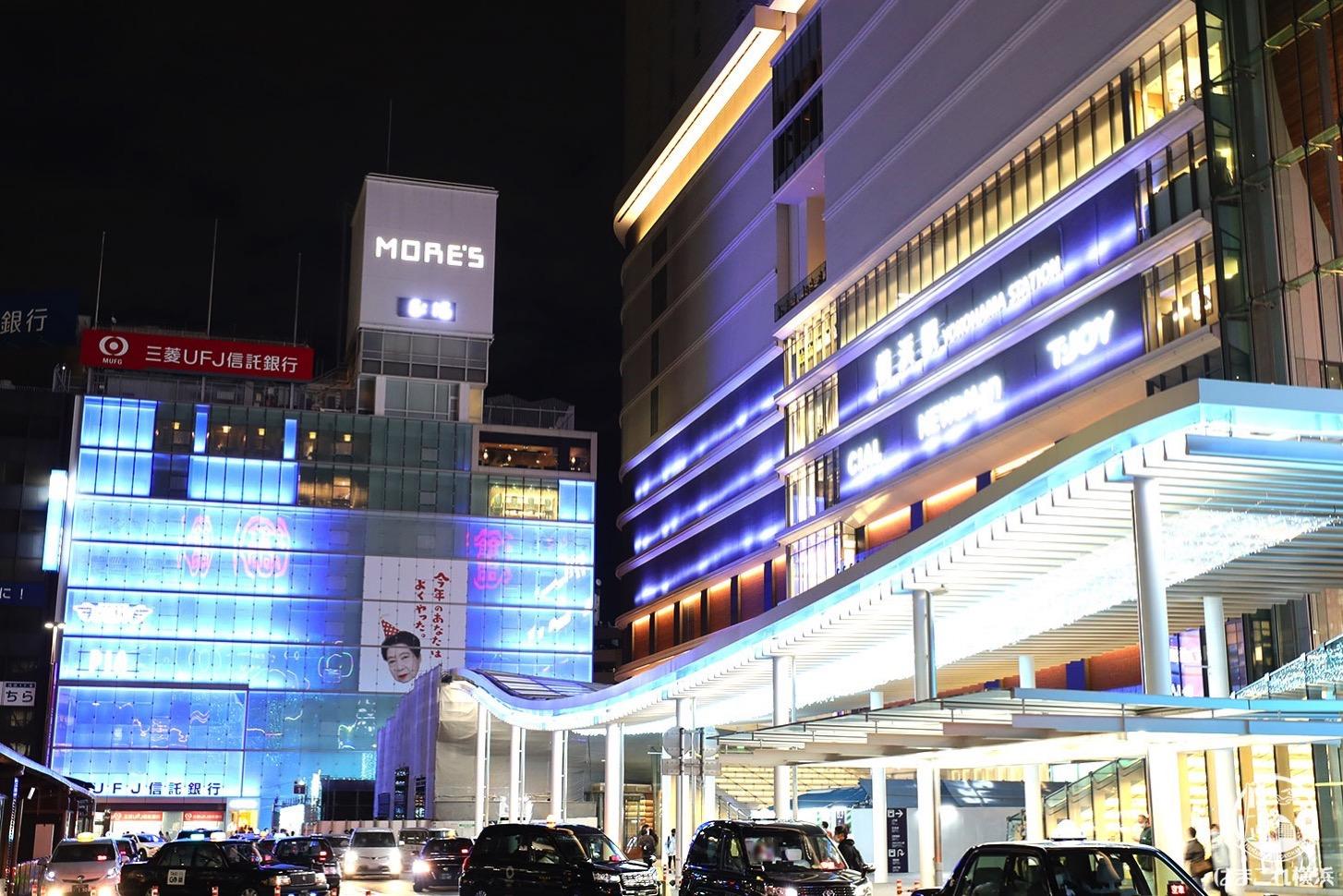 ヨコハマイルミネーション シァル・屋根・JR横浜タワー壁面ライトアップ