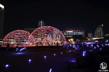 横浜「ヨルノヨ」で豪快イルミネーション体感!音と光で街一体特別ライトアップ