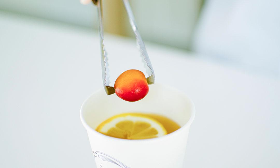 梅に煎茶。