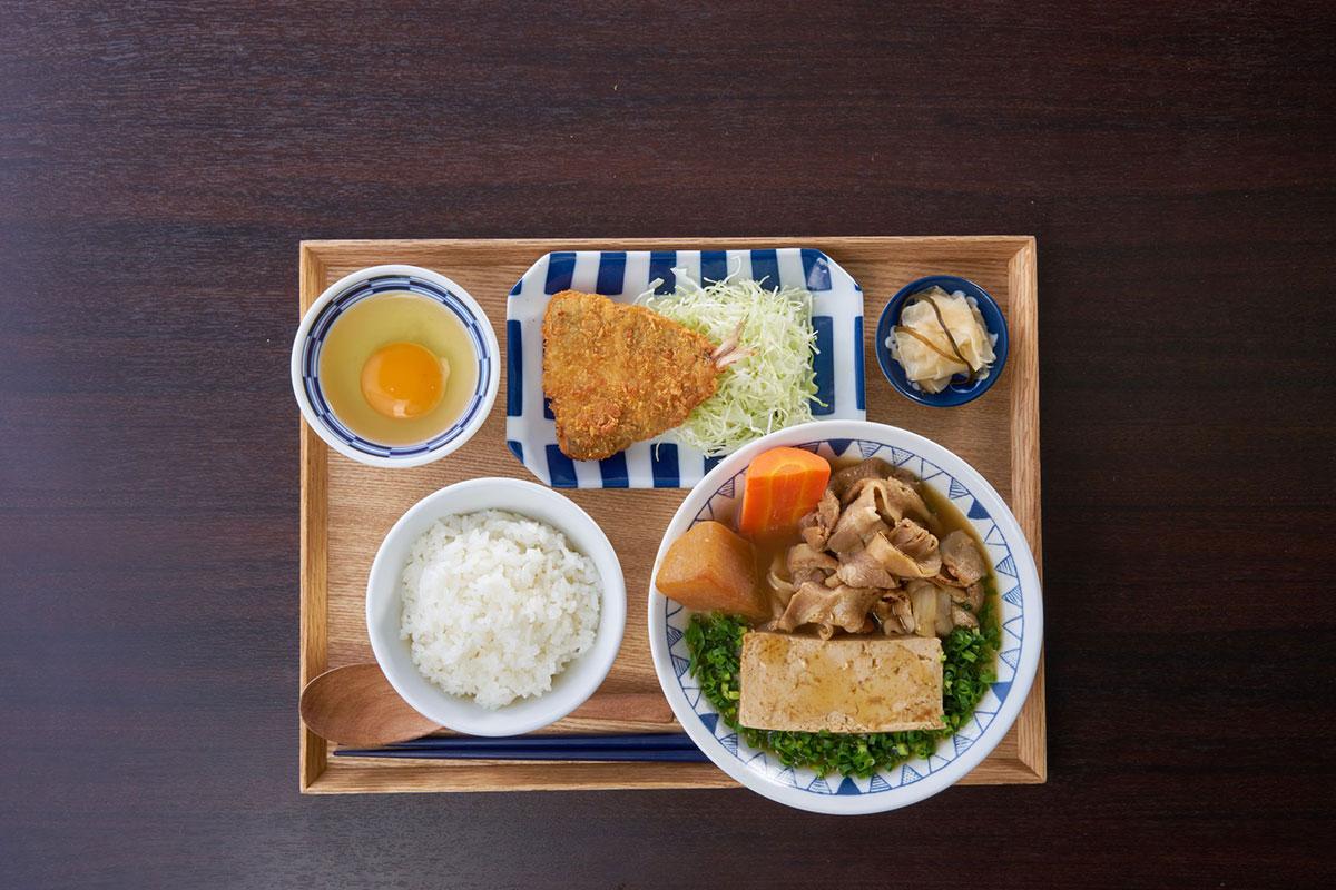 ごろごろ野菜のごちとん豚汁定食アジフライセット