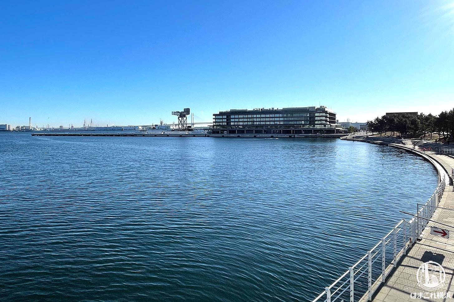 女神橋から見た横浜ハンマーヘッド