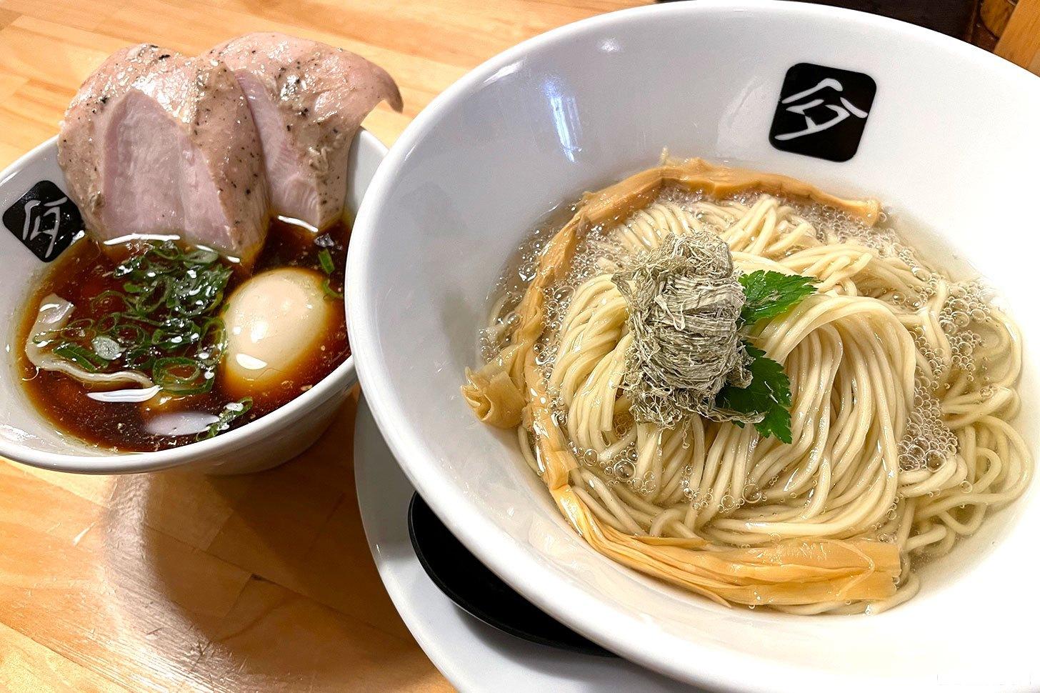 中華そば高野(横浜・大口駅)昆布水に浸かる麺のコシ最強!特製つけそば食べてみた