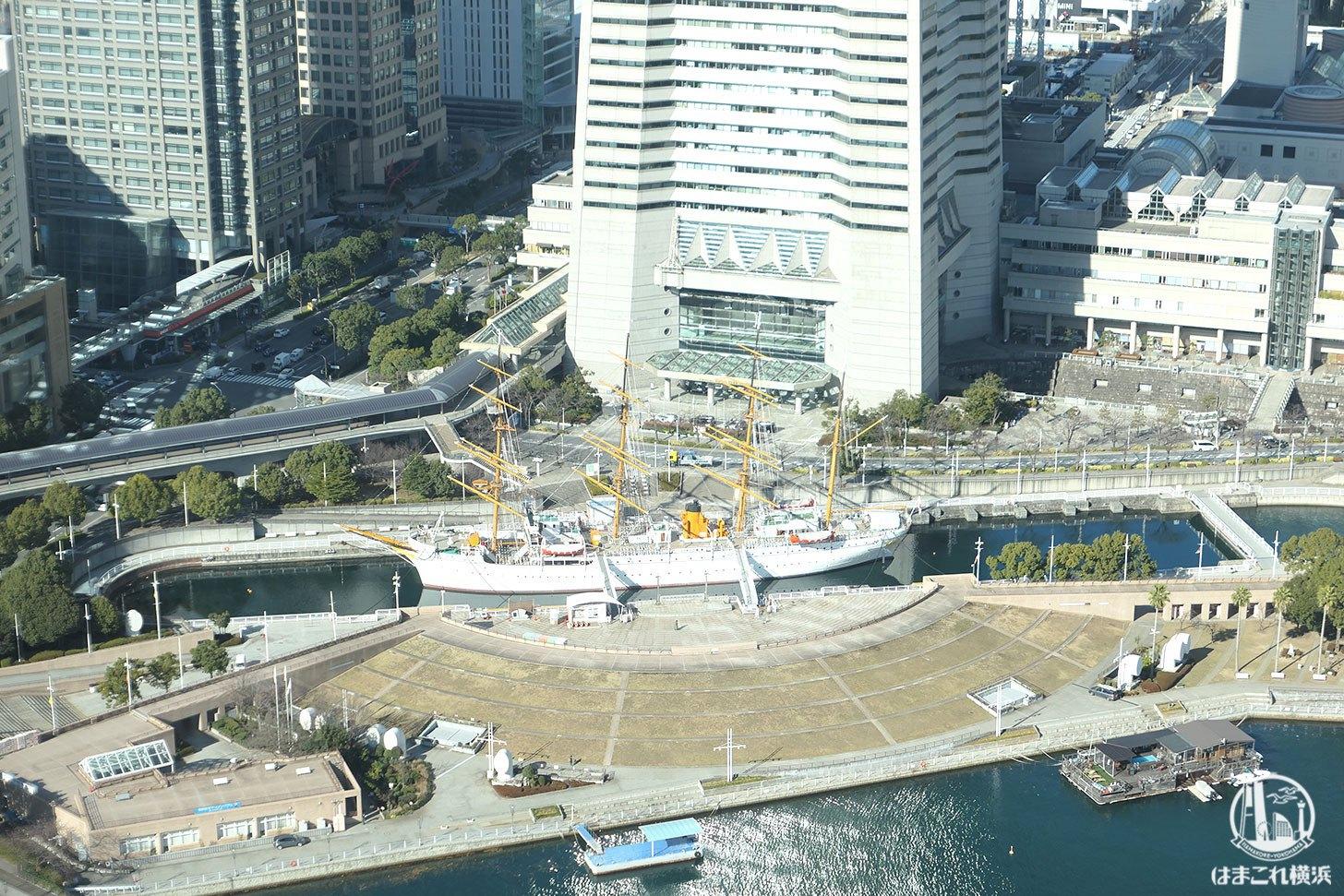 ザ・タワー横浜北仲 無料展望フロアから見た帆船日本丸