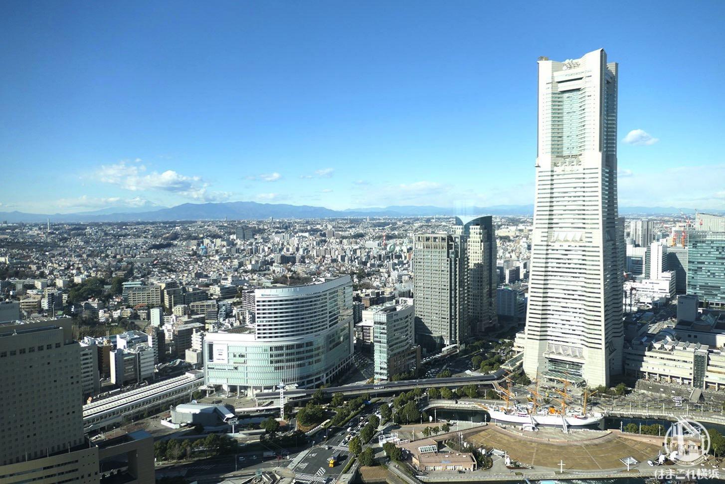 ザ・タワー横浜北仲46階から見た横浜ランドマークタワー
