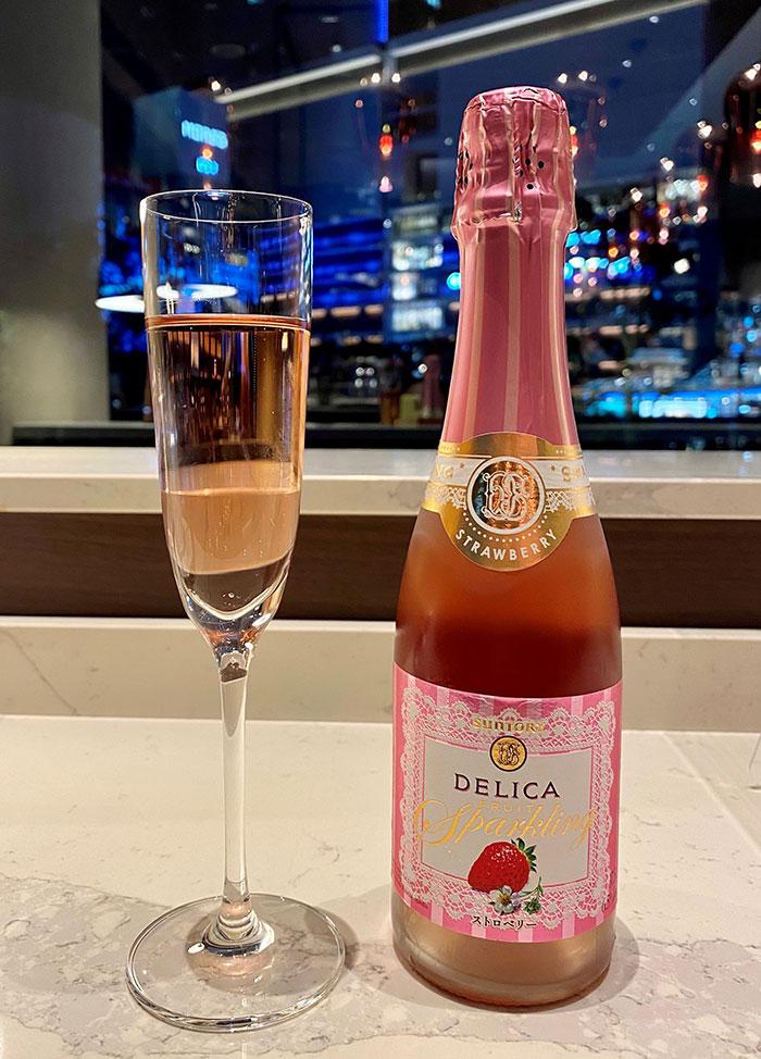 苺のスパークリングワイン