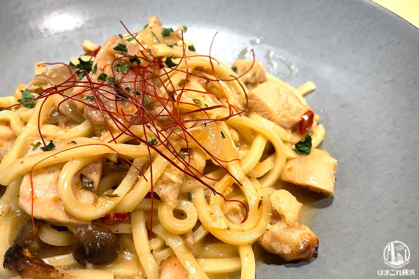 ニュウマン横浜の2416マーケットパスタアンドは生麺でもっちもち!素材とアレンジにもハマる