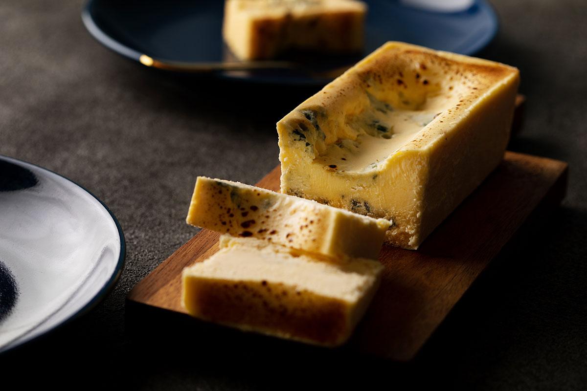 生ブルーチーズケーキ「青」