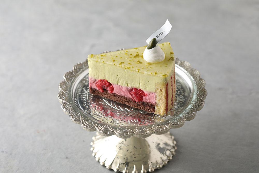 ピスタチオと木苺のケーキ