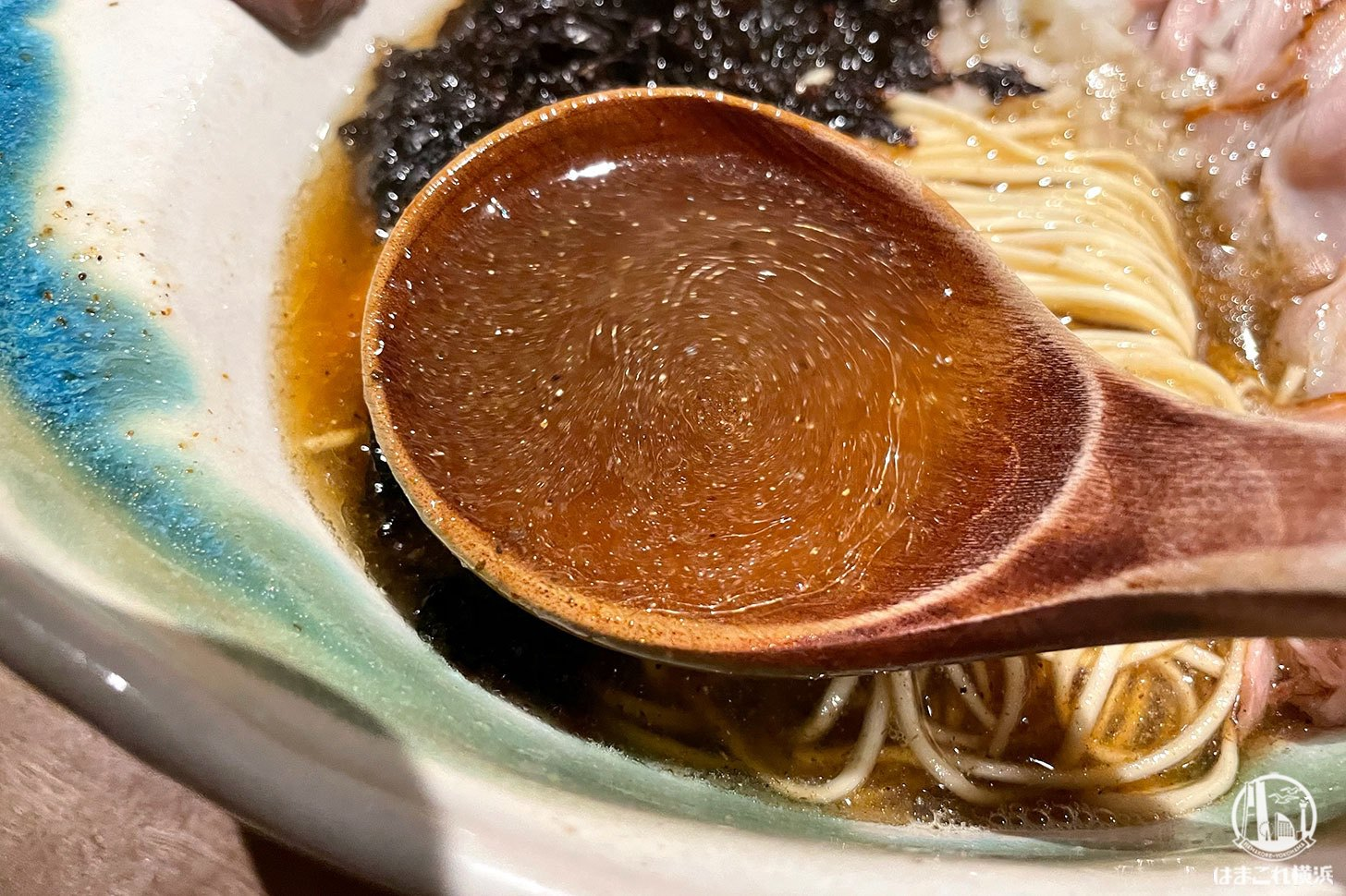 エレガントな煮干拉麺 スープ