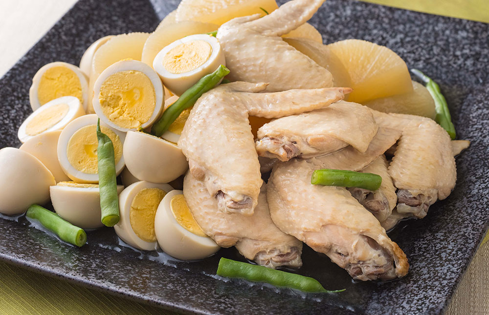 国産鶏手羽先と大根の煮物(1パック約100g 税込600円)
