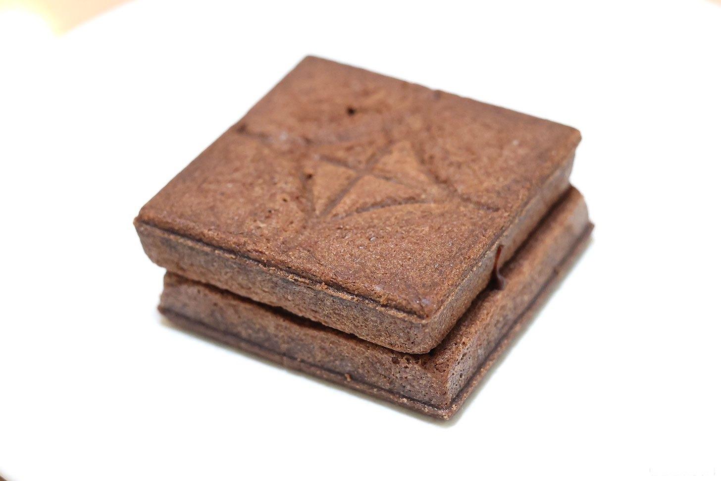 マルゥチョコレートのバターサンド