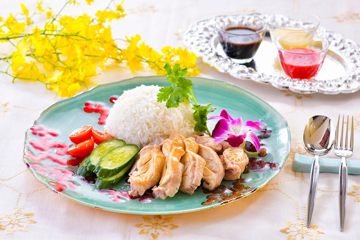 シンガポール料理専門店「HAWKERS海南鶏飯」マリン&ウォークヨコハマに開業!