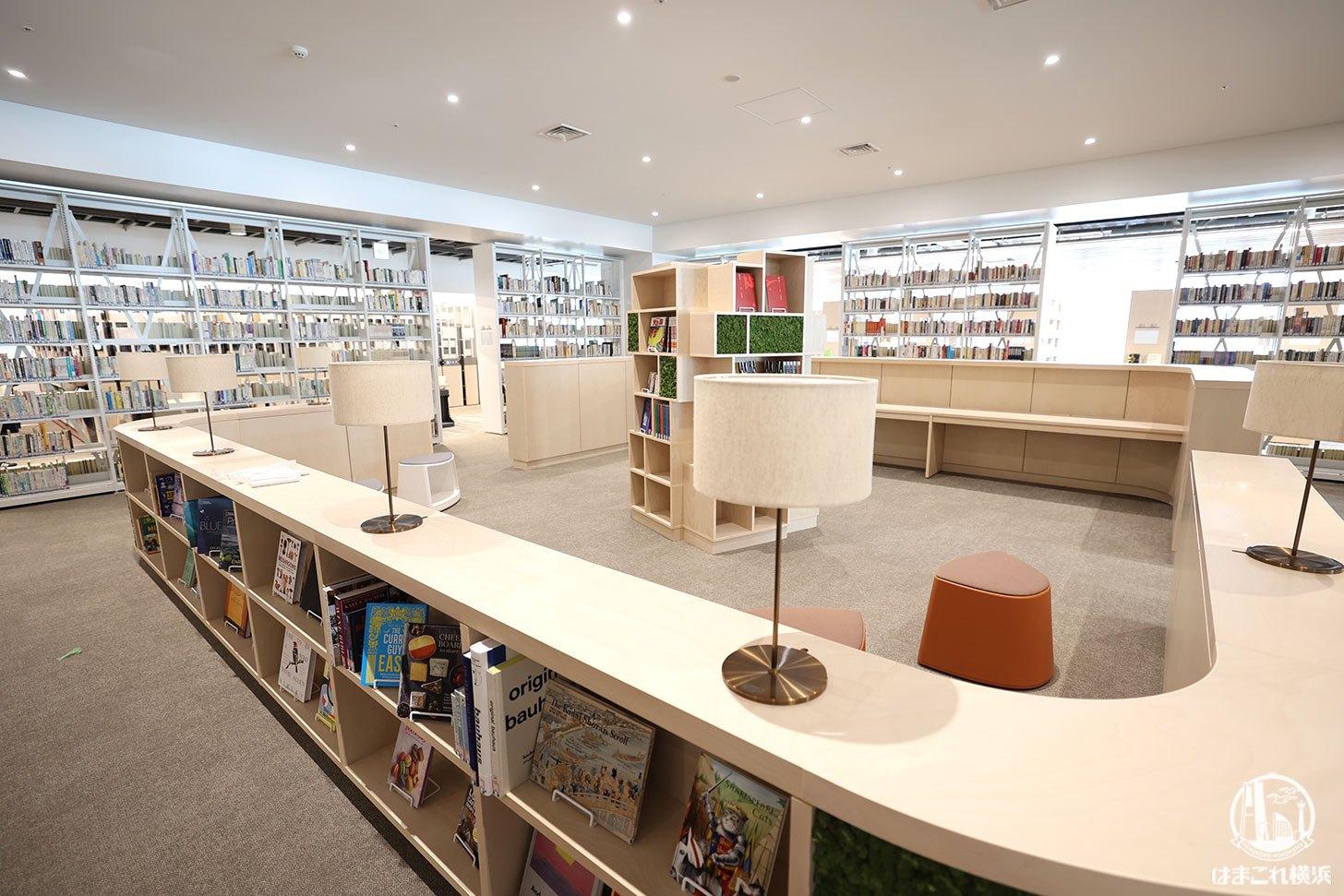 みなとみらい図書館
