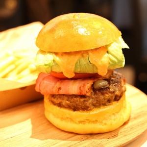 尾島商店のハンバーガーめちゃ旨い!横浜老舗精肉店のミートカフェオジマ