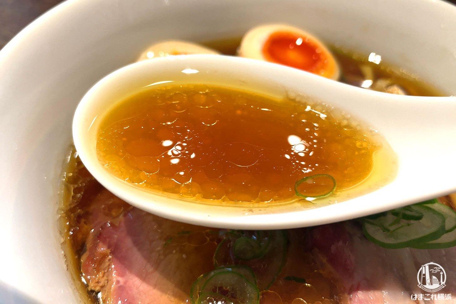 特製中華そば・醤油 スープ