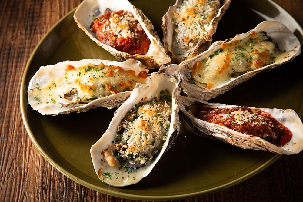 広島産大粒焼き牡蠣3種盛り合わせ850円~単品・追加1P 290円