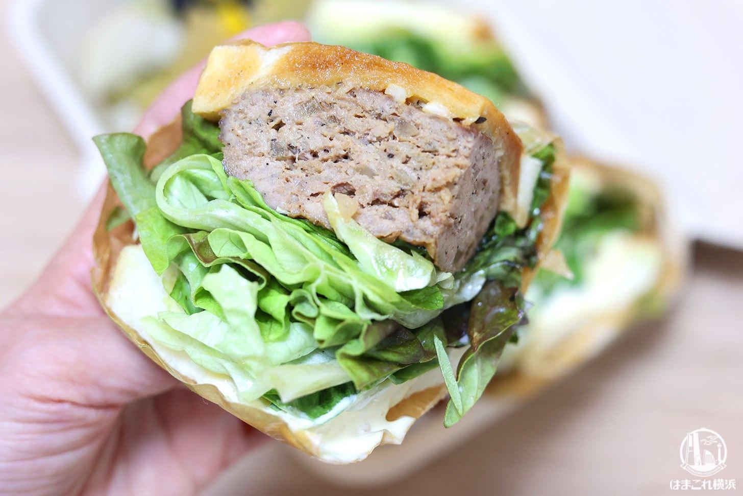 Torishige Tsukune サンドイッチ