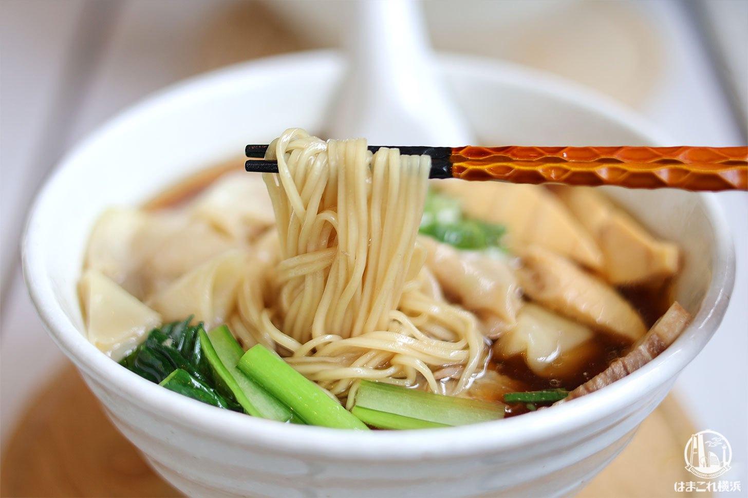 鳥取県産大山鶏のわんたんめん 麺