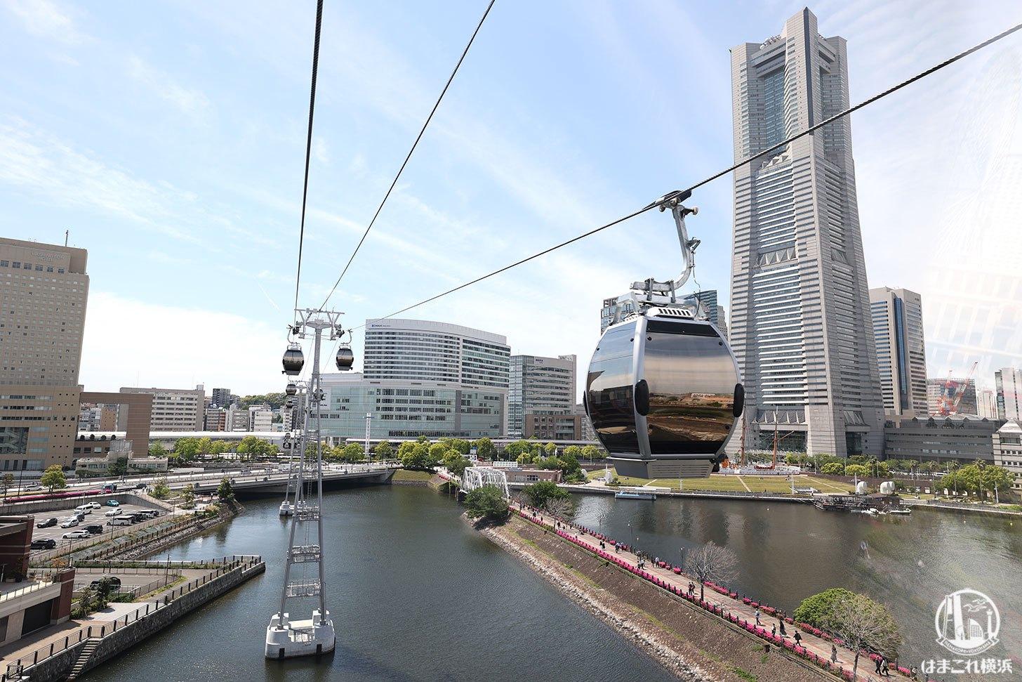 ロープウェイ(運河パーク駅から桜木町駅)から見た横浜ランドマークタワー