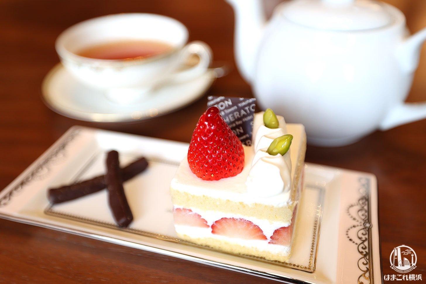 ラウンジ「シーウインド」ケーキと紅茶