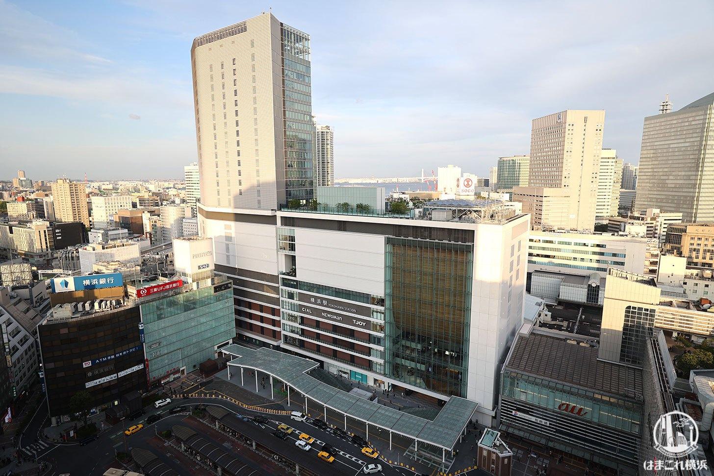 ラグジュアリーフロア「デラックスルーム」から見た横浜駅