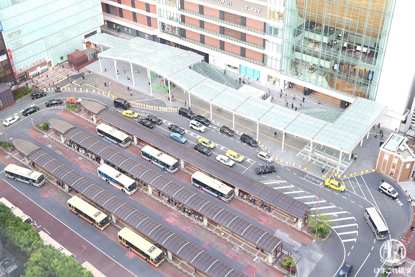 ラグジュアリーフロア「デラックスルーム」から見た西口駅前広場